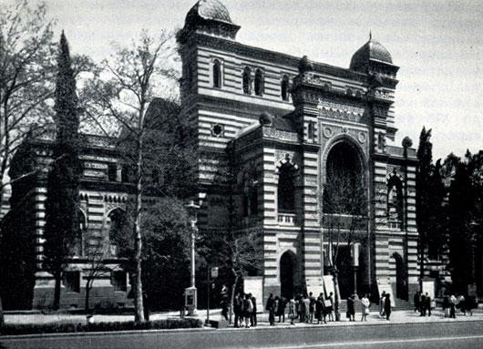 52. Театр оперы и балета им. 3. Палиашвили. Архитектор В. Шретер. 1880-1896